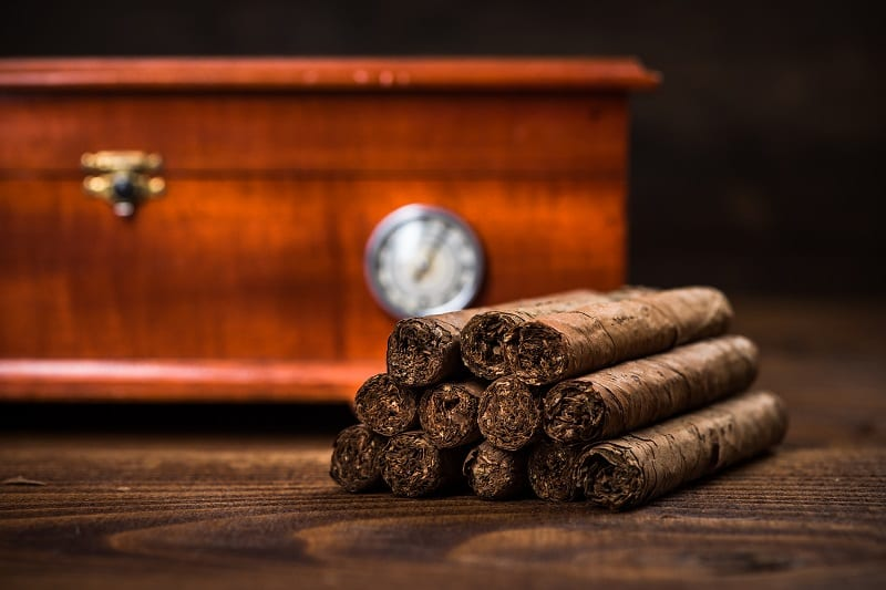 "Featured image for ""On Love – And How To Maintain Your Cigars Properly"""